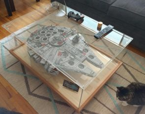 LEGO Falcon Display