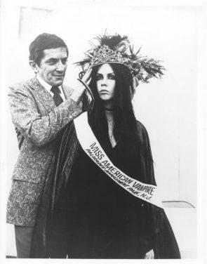 Johnathon Frid crowns Miss American Vampire1970