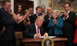 Trump scraps Obamacare subsidies in surprise latenight announcement
