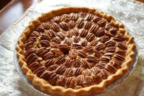Pecan Pie with awesome pattern