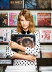 Taylor Swift Groping a David Bowie LP