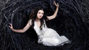 nesting queen