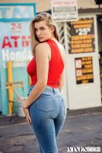 Mia Melano in jeans