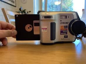 single disk digital camera.jpg