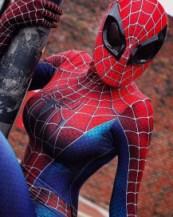 Weird Mask on Spider-girl