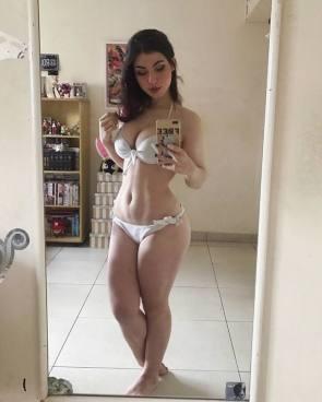 free bikini girl selfie.jpg