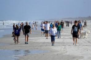 Jacksonville beach packed as Florida coronavirus cases hit record