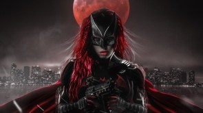 Batwoman with guns