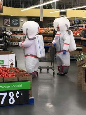 astronaut shoppers