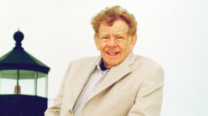 Jerry Stiller Seinfeld and Hairspray Actor and Comedian Dies at 92