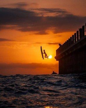 surfer jump