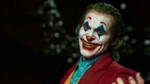 the joker has gross teeth