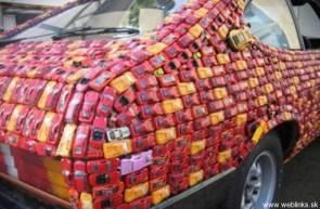 CARS ON A CAR