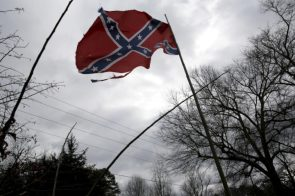 Pentagon draft policy would ban Confederate battle flag displays