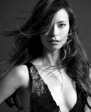 summer gual in black and white
