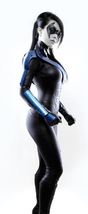 Lady Nightwing Cosplay