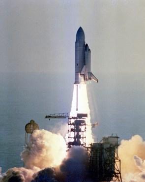 shuttle takeoff