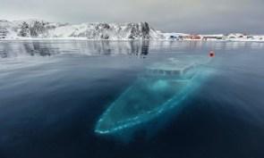 Polar wreck