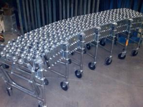 Expandable conveyors
