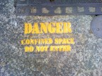 CONFINED SPACE – DO NOT ENTER