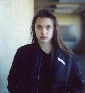 Highschool Angelina Jolie