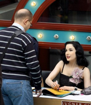 Dita in clothes