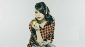 emma eats an apple