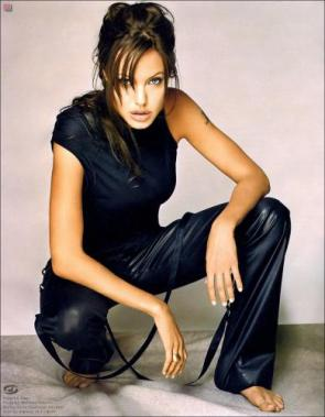 Angelina Jolie black outfit