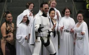 Elvis pimps out Princess Leia