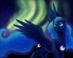 luna under auroras