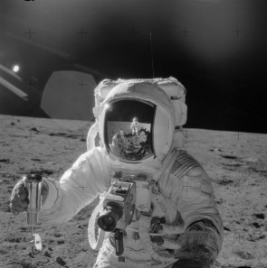 astronaut on stage with his coffe cup