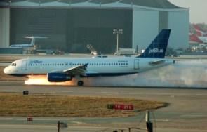 Jet Blue – fiery landing