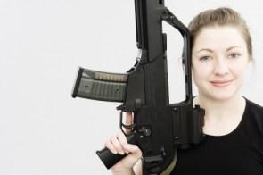 Moar Chicks with guns