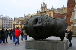 Bodiless head in Kraków