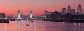 London_Thames_Sunset_panorama_-_Feb_2008.jpg