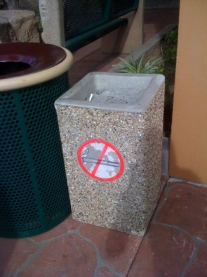 no smoking / when your done smoking put em here