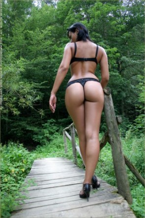 NSFW – Walk in The Forest