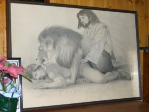 NSFW – Jesus Christ it's a lion…!