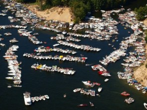 Hot Boat Weekend at Hardy Dam, MI
