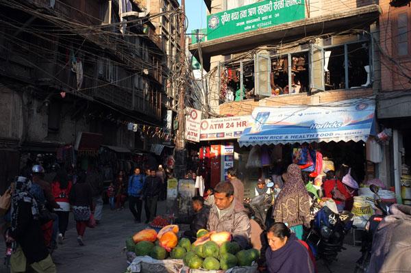 market-scene-4