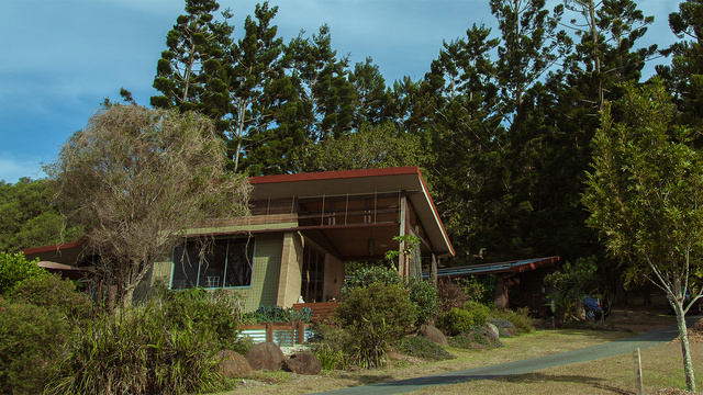 Off-the-Grid Houses12