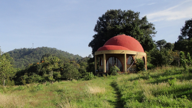 Off-the-Grid Houses8