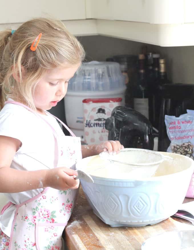 Marshmallow Cupcakes_002