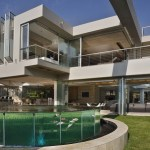Glass House by Nico Van Der Meulen Architects.