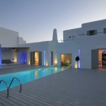 Summer House in Paros by Alexandros Logodotis.