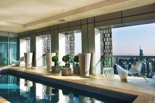 Full floor penthouse 72 cayan tower myhouseidea for Pool design dubai