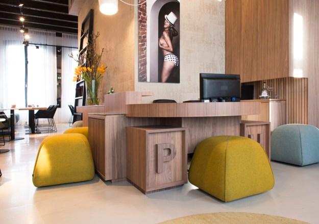 Boutique hotel, Amsterdam by Jeroen de Nijs 01