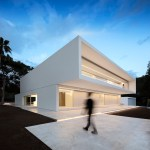 House between the pine forest by Fran Silvestre Arquitectos 03