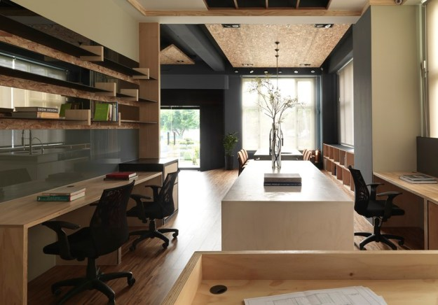 Interior design workplaces in Taiwan by HOZO interior design