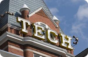 Tech_close
